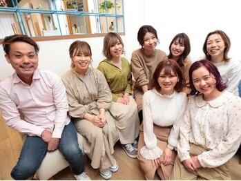 ヘアーサロン クスキ(hair salon KUSUKI)の写真/上質オイルの《UTAU》を使用したヘッドスパが自慢のサロン◇女性STAFFによる丁寧な接客も人気の秘密♪