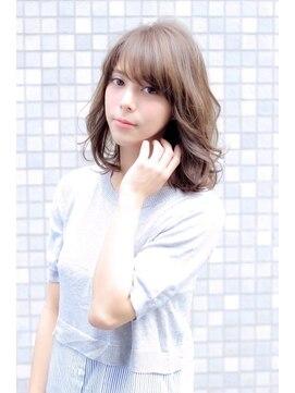 コンプライス 中百舌鳥店(complice)Luciaカラー☆ハイライト+アッシュベージュ☆