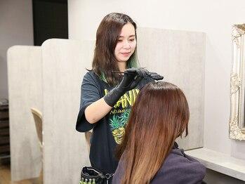 フロウクラウド(FLOW CLOUD)の写真/艶のあるグレイカラーに☆気になる白髪も、髪をしっかりケアするので上品髪へ導きます♪