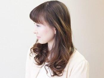ヘアーデザイン グランジュテ(Hair Design grand jete)の写真/白髪の悩み、これからはお洒落の強みに!隠さずに活かして、華やかな髪色を楽しみませんか?