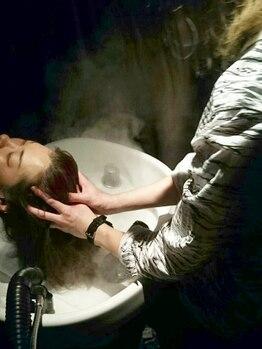 ヘアーアンドメイク ソファー 広瀬通店(hair&make Sofa)の写真/Sofa屈指のマッサージ技術で、疲れた頭皮も健やかに☆エイジングケアやリフトUP効果も◎1年間のご褒美に♪