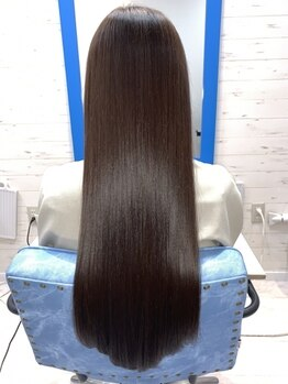 スローライフヘアーデザインアンドスパラウンジ(Slow life Hair design spa lounge)の写真/【コスメ縮毛矯正×プレミアムミネコラ】しっかり癖をとりつつ、潤いと艶・柔らかさをプラス♪