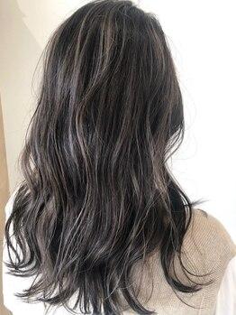 サロン(SALON)の写真/うるツヤ髪はそのままに!人気のトレンドカラー、流行の透明感カラーまで幅広く対応!なりたい髪色になれる♪