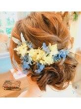 ヘアメイクアンドセットサロン リッコ(Hair make&set salon Ricco)ゆるふわなお花アレンジ