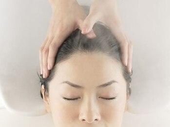 プログレス 成田店(PROGRESS by ヂェムクローバーヘアー)の写真/成田店で人気のヘッドスパ☆髪だけでなく地肌もケアしたい!という方にオススメです♪極上サロンタイムを―