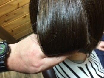 クローバーズ CLOVER'Sの写真/髪と地肌に優しいオーガニックカラー(白髪染め)トリートメント施術付がオススメ☆ヘアケア商品も多数有り♪