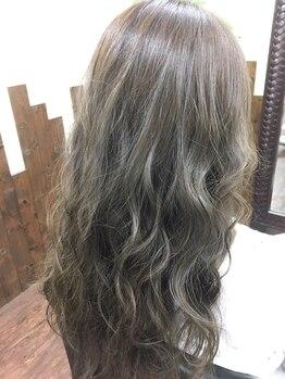 ヘアガーデン ナチュラ 川越店(HAIR GARDEN NATURA)の写真/当店人気のWELLAカラーがおすすめ☆自分に似合う色や好きな色がきっと見つかる。 美しくしっかり染まる★