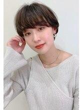 レブリィ ゼンコーハシモト(Reverie ZENKO Hashimoto)綺麗めマッシュ風ショート