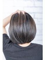 ヘアーメイク ダンス(hair make DANCE)アッシュのグラデーションカラー