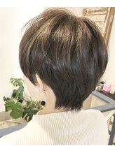 ヘアアンドメイクフリッシュ(HAIR&MAKE FRISCH)頭の形が綺麗になるショート