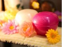 アニモ 北越谷店(animo)の雰囲気(お店の前&店内には可愛らしいお花が飾られています♪)