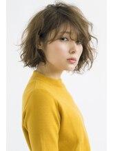 ルミナ オーガニックヘアー(LU3NA organic hair)揺れる毛束で無造作感と色気を融合したアンニュイボブ