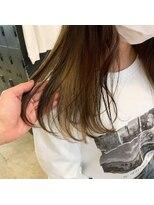 ヘアーアイストゥーレ(HAIR ICI TRE)インナーカラー ポイントカラー イヤリングカラー