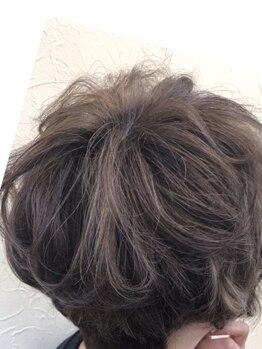 美容室メデューサ朝倉街道店の写真/定期的なお手入れだからこそ、こだわり抜いた薬剤を使用☆頭皮・髪へのダメージを最小限に抑えます!