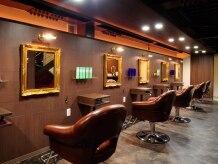 ヴィヴェンシア(Vivencia)の雰囲気(落ち着いた店内は男女問わず人気。ホッと落ち着ける空間です。)