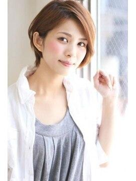 アイフラップ(I-FLAP)小川淳子 大人かわいい 耳かけショートボブ