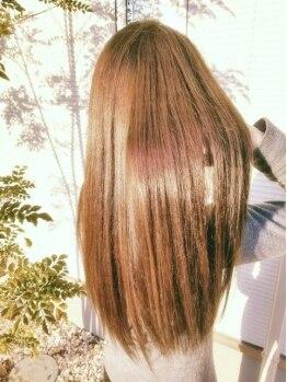 ナチュラ(NATURA)の写真/憧れのツヤさらナチュラルストレートを叶えます☆自然な仕上がり&ダメージレスの縮毛矯正でキレイを実現!