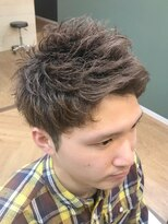 好感度◎くせ毛をいかしたショートヘア!