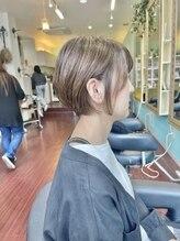 ヘアメイク ユーユ(Hair make U YU)【白髪染めを使わない白髪染め】ハイライトカバー