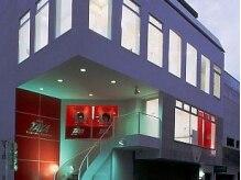 タヤ 横浜元町店(TAYA)の雰囲気(螺旋階段を上がり2階が受付です。)