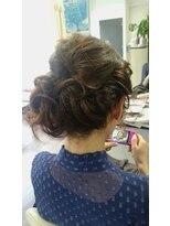 ヴィオレッタ ヘアアンドスペース(VIOLETTA hair&space)サイドシニヨンアップ