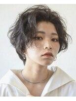 【soy-kufu】アップ前髪の黒髪ショートスタイル