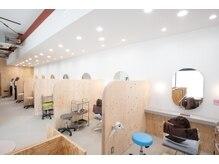 ワンバイワン(One×One)の雰囲気(半個室でゆったりとした空間です。)