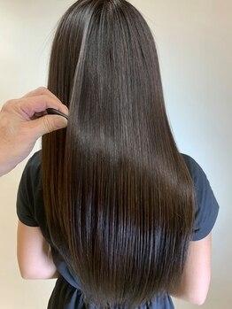 ヘアーメイク グレース 本店(HAIR MAKE GRACE)の写真/【美髪プリズムミラー×水素原子プレミアム】で、髪質を改善!!自宅に帰ってからもキレイがずっと続く…