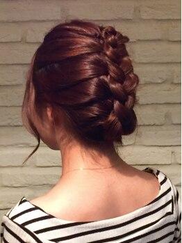 ヘアークリエイト ジャミング(Hair Create Jaming)の写真/【ホテル東日本向い/23時まで営業】結婚式&二次会はもちろん、特別な日のお出掛けにも☆イイ女を演出…♪