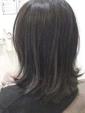 ベイジヘアークチュール(BEIGE hair couture)外ハネボブ アッシュブラウン