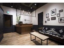 レヴィ(Levie)の雰囲気(リラックスできるアメリカのカフェやバーをイメージした大人空間)