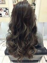 ヘアーデザインムーヴ(Hair design MOVE)#ハイライト#ロング#外国人風#グレージュ#ファイバープレックス