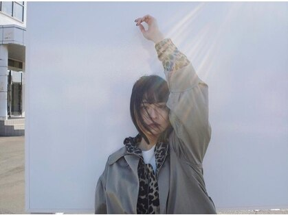 ケイト オークス(KATE OKUS)の写真
