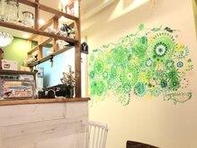 スマッジコミュ(smudge commu)の雰囲気(cafeの絵は授かり安産の絵として話題。真ん中の白花を触ってね♪)