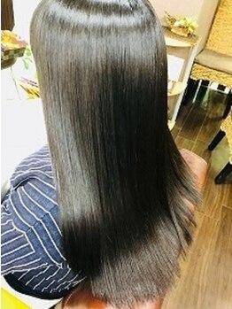 サイファー ヘアークリエイション(CIPHER Hair Creation)の写真/【縮毛矯正専門店】クセストパー(R)◆CUT+縮毛¥15840~☆低ダメージで柔らかストレートに…雑誌にも掲載!