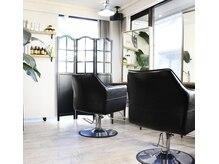 トラッド ヘアサロン(Trad.hair salon)の雰囲気(自然光が入る開放感あるカットスペース♪)