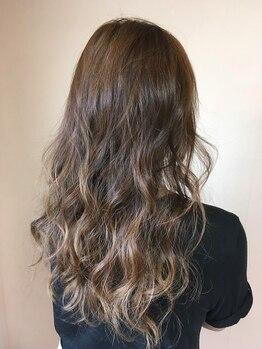 ヘアーセレクトチャーム(HairSelectCHARM)の写真/色味と透け感、どちらも楽しみたいならダブルフェイスカラー★大人気カラーで最旬styleを手に入れて!