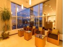 ヘアー リッツ 武豊店(Hair Ritz)の雰囲気(茶色を基調とした温かみのある店内です。)