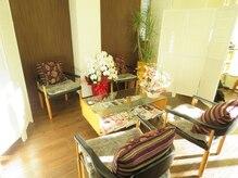 美容室セラヴィの雰囲気(待ち合いスペースとなっております。)