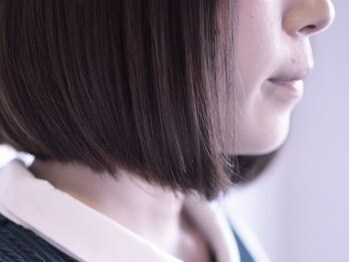 ヘア サロン イチャリ(hair salon ICHARI)の写真/≪ラインの1ミリまでこだわったカット―≫全身のバランスを整える最適な長さにより髪を美しく魅せます。