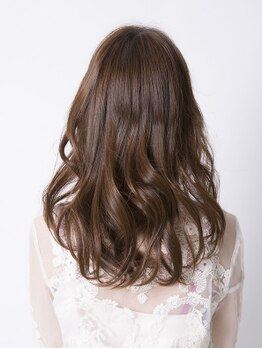 エスアンドエフ美容室 アピタ店(S&F)の写真/女性の髪を美しくする【ウルティアグランプリ2018】で優秀特別賞受賞★高濃度補修液配合TRで最高のケアを♪
