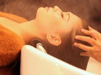 スティル ヘアアンドアイラッシュ(STILL hair&eyelash)の写真/【Aujuaアロマスパ】疲れがじわ~っと溶けていく…心地良い空間でエイジングケアまで叶える極上贅沢スパ★