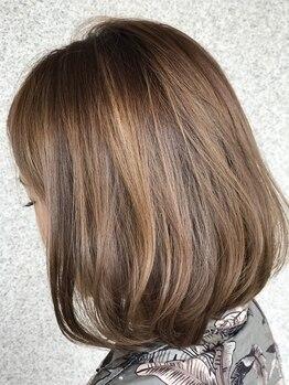 アーニモヘア(animo hair)の写真/【吹田/駐車場完備】クーポンは何度でも利用OK!!複数のカラー剤を理想やお悩みに合わせて選定してくれる!!