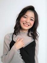 フラココトリコ(hurakoko trico)笑顔が似合う柔らかミディ