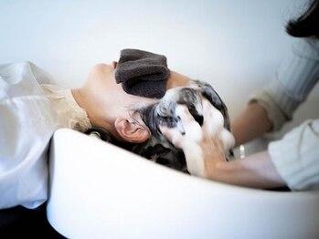 コッテ(Cotte)の写真/「リラックスすることには価値がある」 丁寧なシャンプー&ヘッドスパで至福の時間。