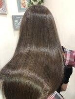 プラウド髪質改善カラーでロングスタイルがサラサラ
