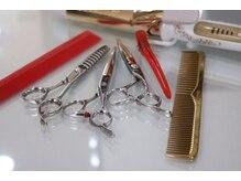 ユアーズヘアーエヴォリューション(Your's hairevolution)の雰囲気(カットには自信があります。20種類以上を使用するこだわり♪)