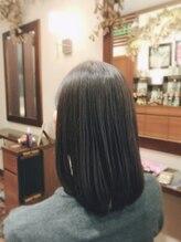 ヘアーズアンドアルファ(Hairs&Alpha)☆ オーガニックカラーで艶々ミディアムスタイル ☆