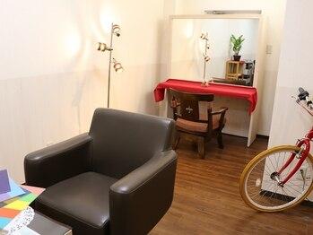 ヘアーメイクパーソナルの写真/【お子様同伴可】お子様連れのお客様でも安心頂ける個室をご用意しています☆周りを気にせず過ごせます!