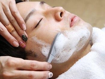 カットスタジオ141の写真/全員が理容師免許保持◎眉毛・ヒゲはもちろん、髪までトータルに仕上がるお洒落な理容室。